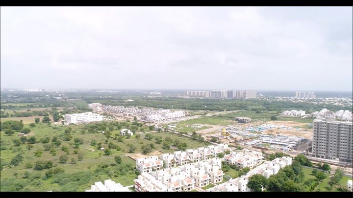 A 360 degree video of the feels that you get from #SamarthStanza! Imagine the mornings with such amazing views.. Book your dream home today!  #SamarthBuildcon #LuxuryLiving #Home #Ahmedabad #SmartLiving #RealEstate