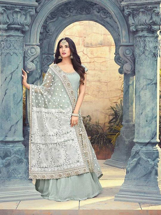 Shop online mint green beautiful designer long anarkali suits at best price from ZaraaFab. Browse the latest salwar suits patterns from our genuine collections. https://bit.ly/2CXHsaY #mintgreenanarkali #beautifuldress #designerwear #longanarkali #designersalwarsuit #embroidered #longsuits #salwarkameezonline #eidcollection #pakistanifashion