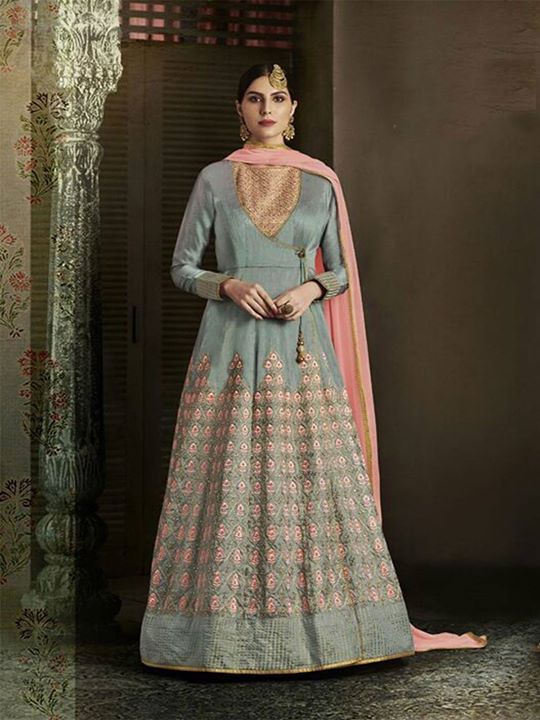 Buy the latest embroidered designer grey anarkali dress online for your special occasions. ZaraaFab offers 2018 latest anarkali gowns salwar kameez for women at discounted price. https://bit.ly/2JsFwuP #greyanarkalisuit #embroidered #designerwear #anarkalidress #anarkaligowns #salwarkameez #longanarkali #floorlengthsuit #indiananarkali #anarkalisuits #bollywoodfashion #indianclothes #eidcollection #ethnicwear #pakistanisuits #eid2018