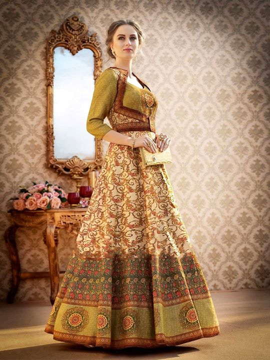 Shop wide collection of designer green lehenga choli online at attractive prices on ZaraaFab. Explore our designs of embroidered lehenga for wedding, festival, party and more. https://bit.ly/2KlhP97 #greenlehengacholi #heavylehenga #lehengacholi #ethnicwear #indianwedding #bollywood #weddingoutfit #indianwear #partywear #onlineshopping #pakistanvogue #indianfashion #indianculture #indowestern