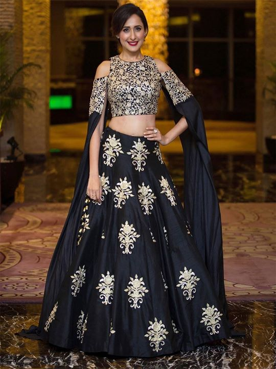 Buy online designer embroidered blue party wear lehenga choli for women on sale price on ZaraaFab. We offers latest designer collection lehenga dress at best price. https://bit.ly/2uOR214 #lehengacholi #indianwear #bridalshower #bridalenghas #bridaldress #weddinglooks #indianbride #indianwedding #ghagracholi #beautifuloutfit #partywear #indian #bollywood #lehengas #ethnicwear