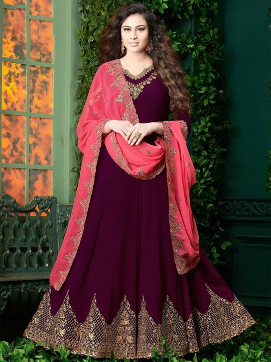 Buy online attractive wine color designer floor length salwar suits online at lowest price from ZaraaFab. Grab this embroidered designer anarkali salwar suit in most soothing color combinations. https://bit.ly/2CXHsaY #anarkalisuits #salwarkameez #indianfashion #indianwear #salwarsuit #ethnicwear #traditionalwear #festivecollection
