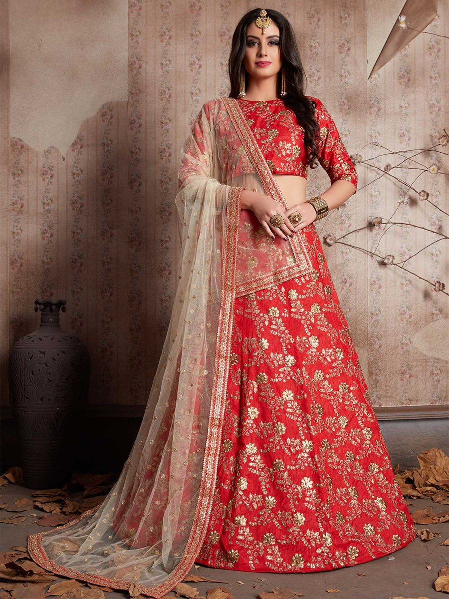 Order online latest red color Indian wedding embroidered lehenga for brides from ZaraaFab collection. Every suits are made to measure and customize. https://t.co/fq9rfQI86L #redlehenga #weddinglehenga #lehengacholi #instadiscount #lehengainspiration #indianweddingdress #bridelook https://t.co/3hBjH5qiO5